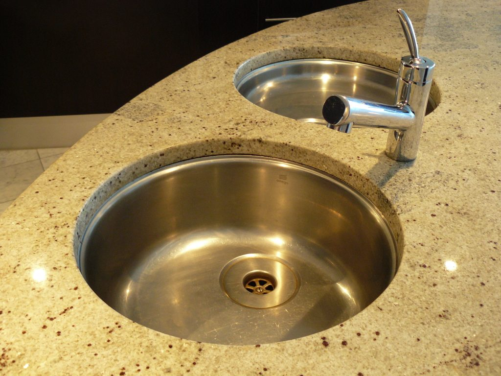 Installing Countertops - Why Hire a Professional?