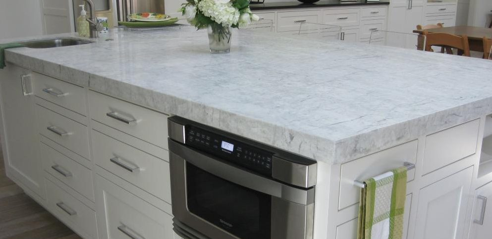 White Kitchens With White Quartz